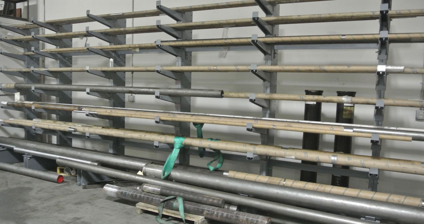 Hydraulic material, rod, barrel, cast iron