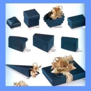 scatole di cartone blu