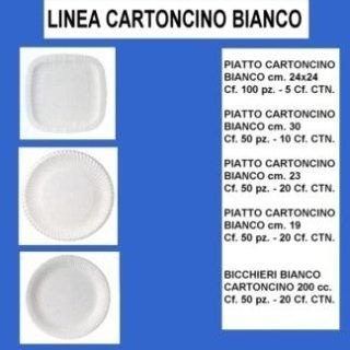 piatti bianchi di cartoncino