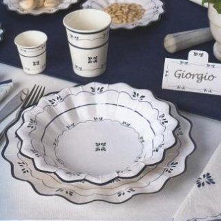 piatti e bicchieri monouso coordinati