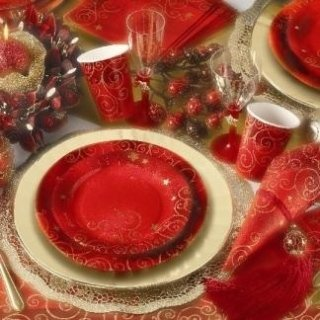 piatti con decorazioni natalizie