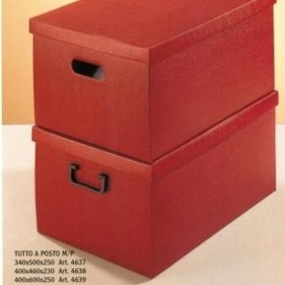 scatole in cartoncino per abiti