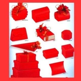 scatole di cartone rosse