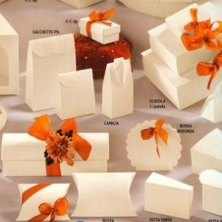 scatole di cartone color avorio