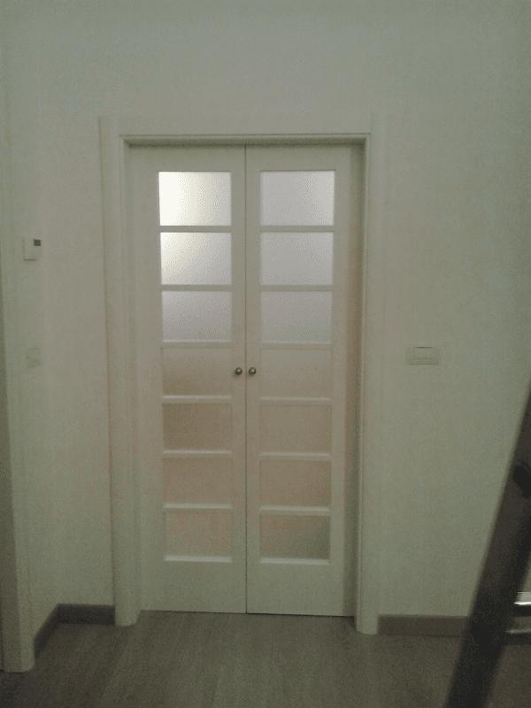 Porta interna bianca a vetri