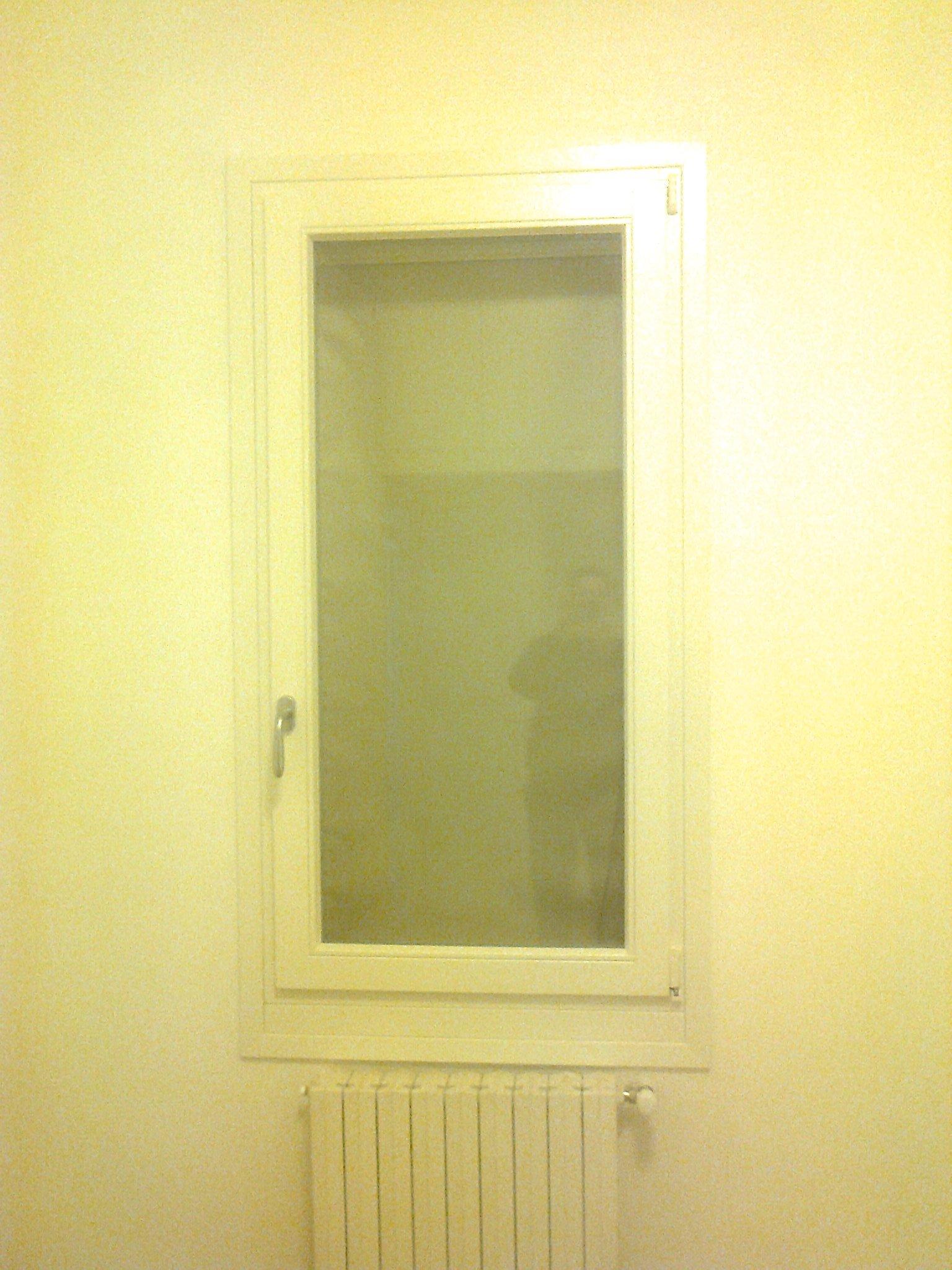Finestra interna bianca