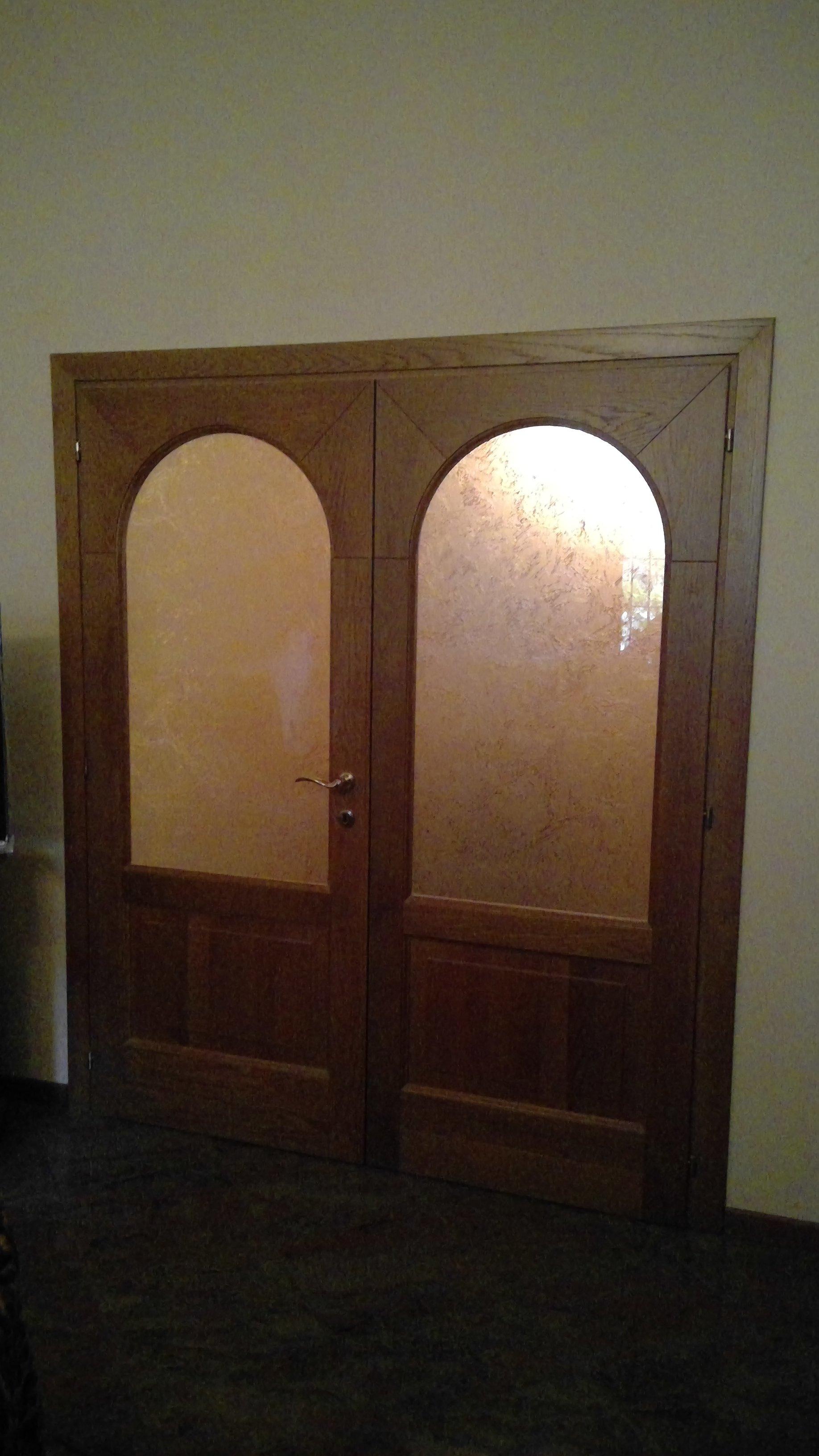 Porta interna in legno con due vetri