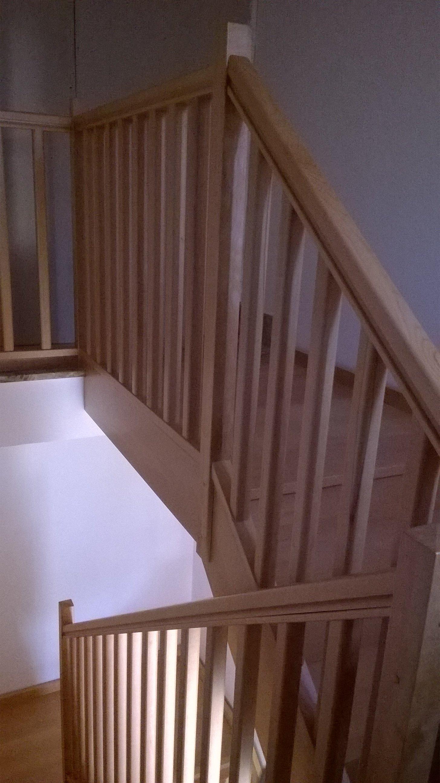 Ringhiera di scalinata in legno