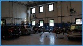 incidenti auto, paraurti danneggiato, tamponamento auto