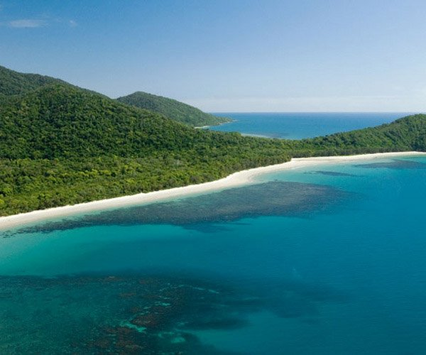 Beautiful white sand beach reef island cairns great barrier reef holiday