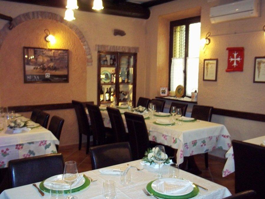 vista angolare della sala ristorante