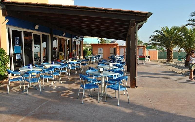 Spiaggia con area ristoro