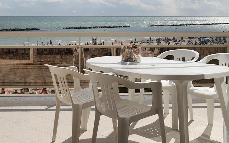 Residence con terrazza sul mare