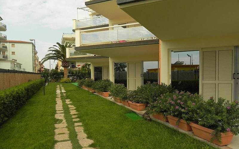 Residence con giardinetto privato
