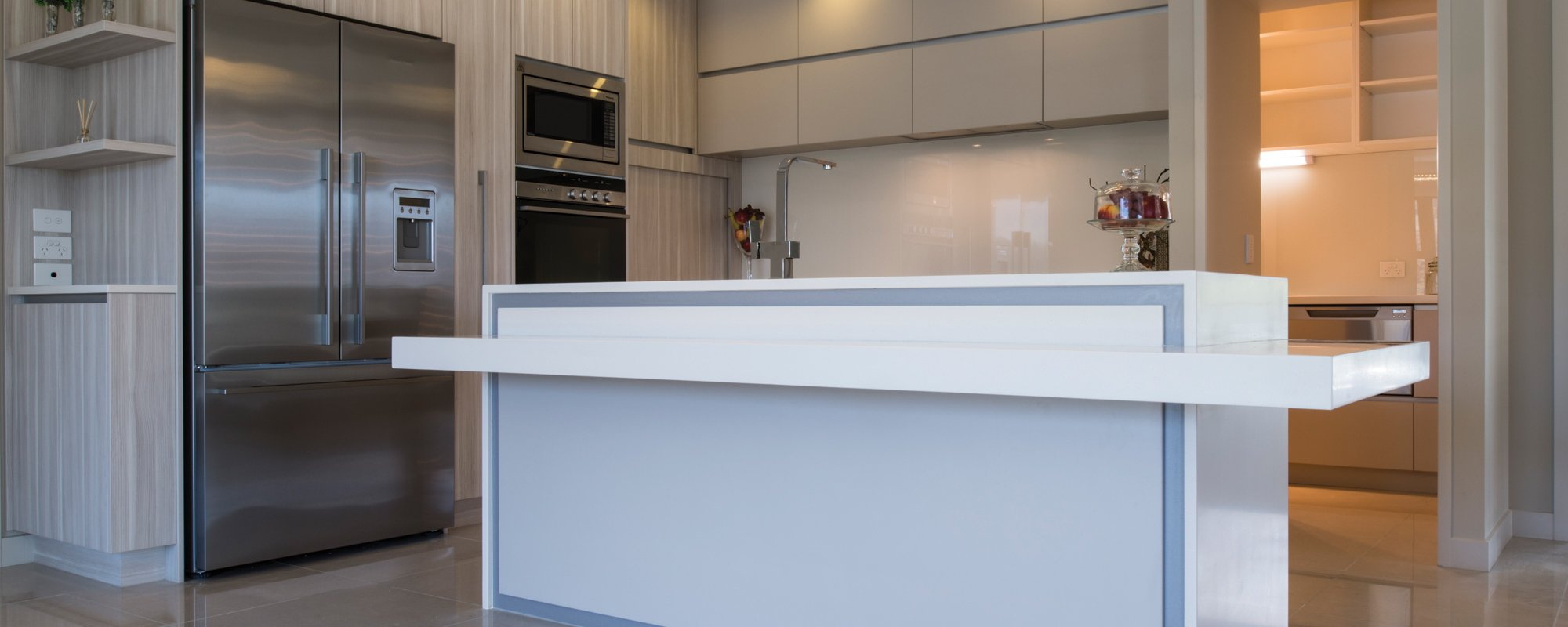 View of the cabiet system installed in the modern kitchen