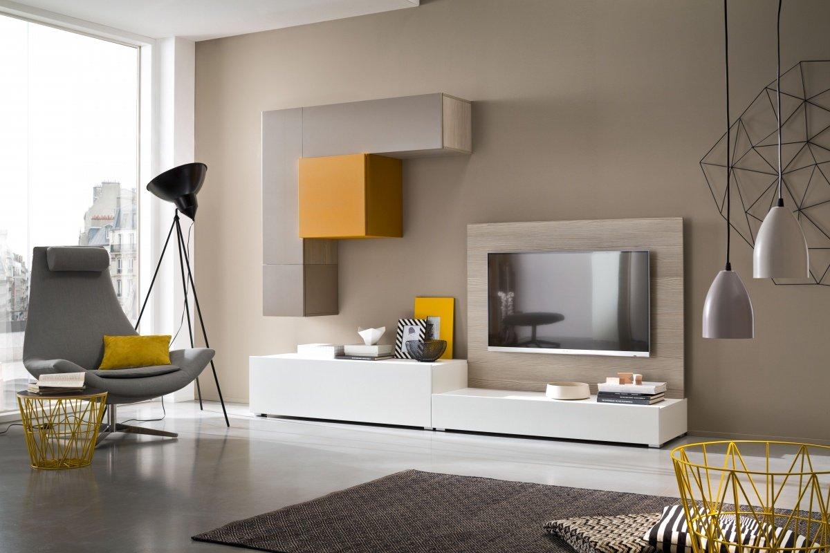 un mobile Tv di color grigio, bianco e giallo