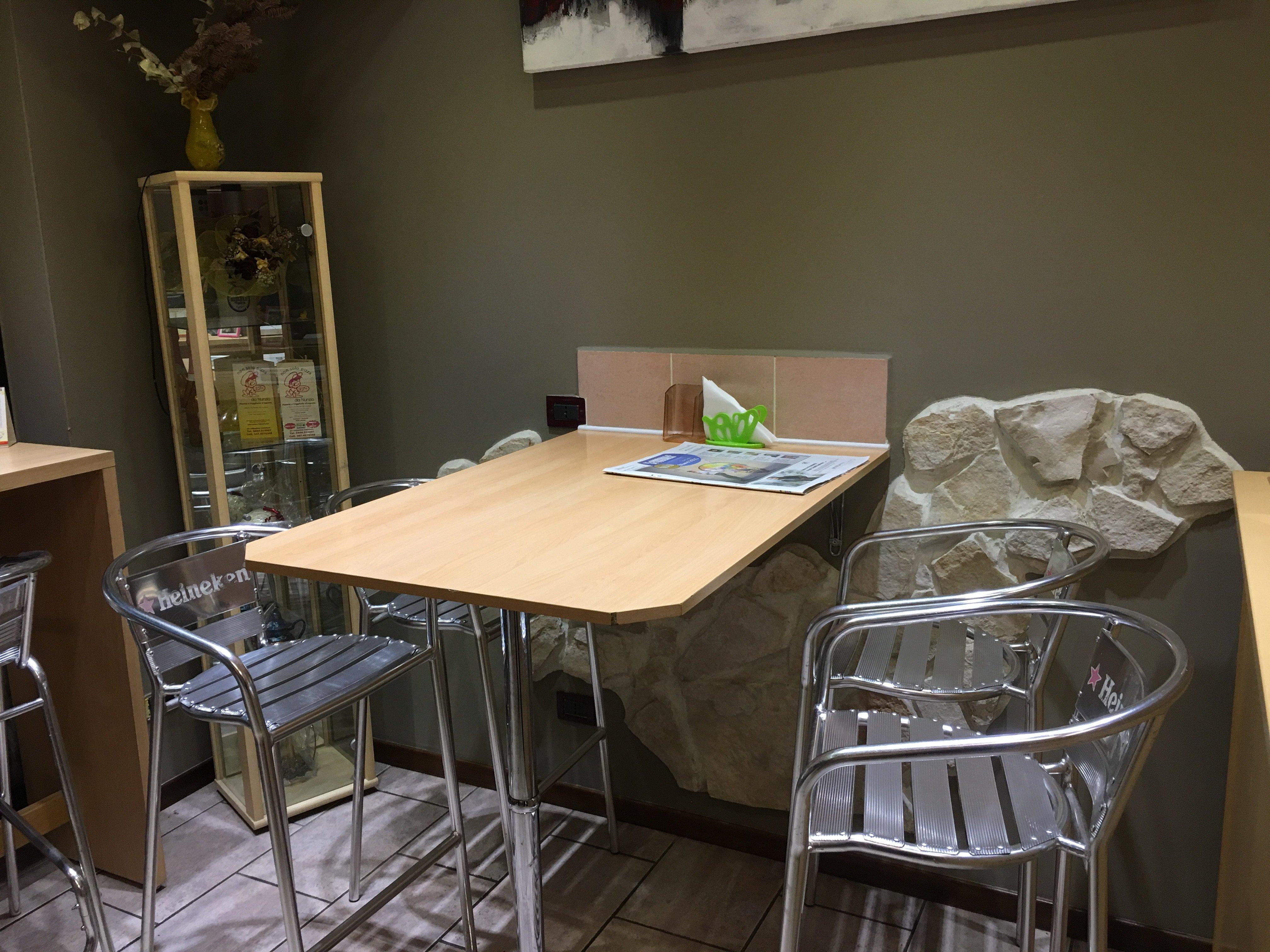 tavolo in pizzeria