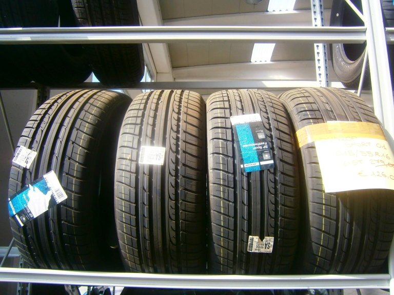 gomme nuove dunlop sport 01 215/55R16