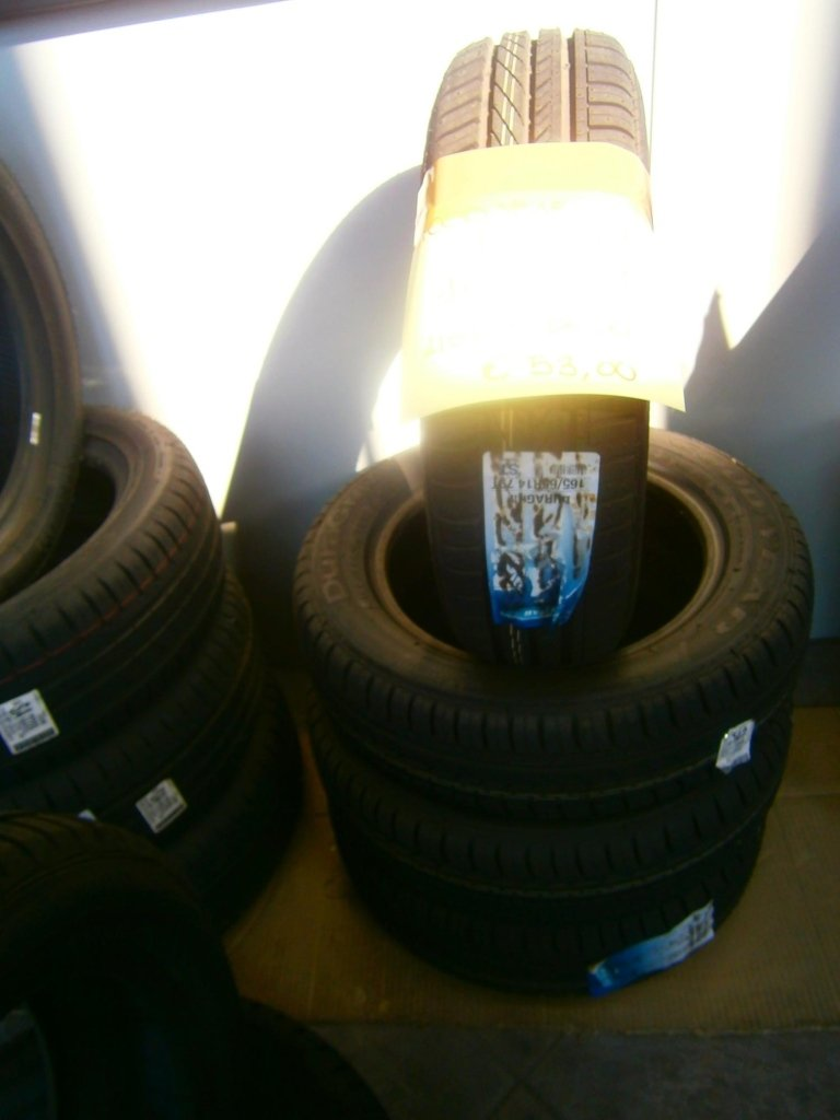 gomme nuove goodyear dura grip 165/65R14
