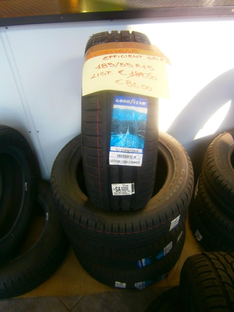 gomme nuove efficient grip 185/55R15