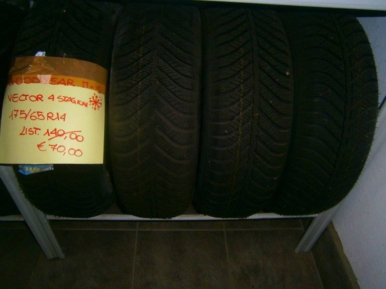 gomme nuove goodyear vector 4 stagioni 175/65R14
