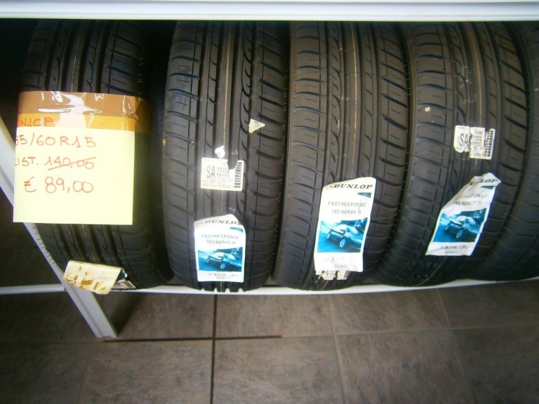 gomme nuove dunlop 185/60R15