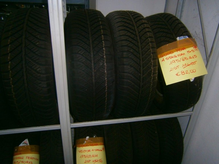 gomme nuove goodyear 4 stagioni MS 195/65R15