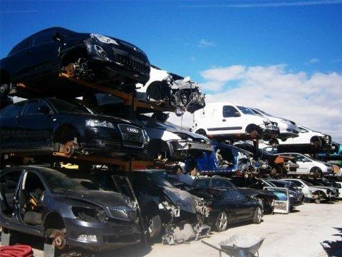 Servizi auto demolizione