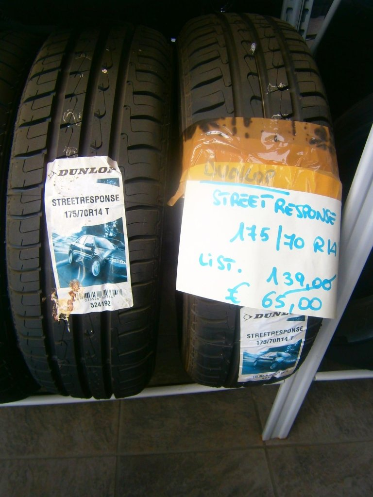 gomme nuove dunlop street response 175/70R14