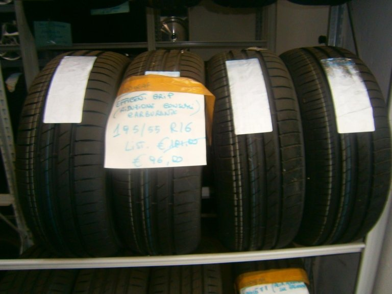 gomme nuove goodyear efficient grip 195/55R16