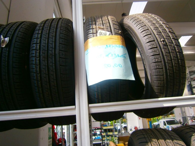 gomme nuove dunlop 175/65R15