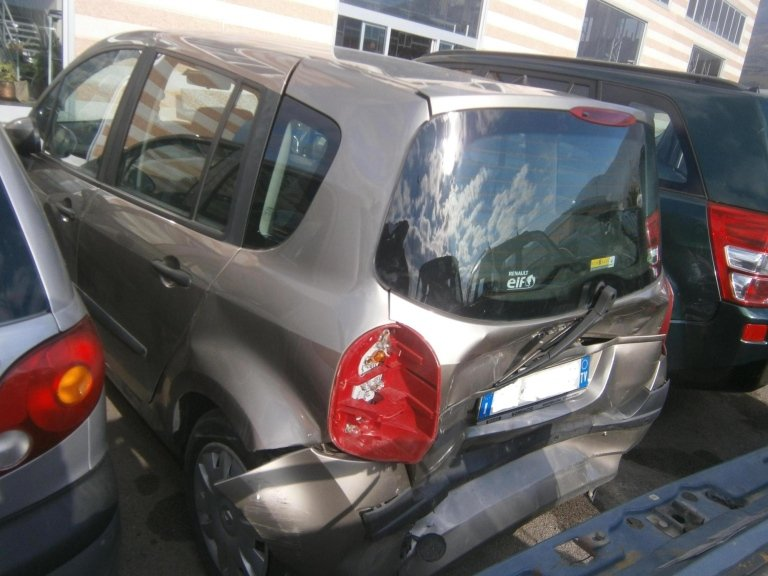 renault modus del 2008 1.5 dc diesel usata posteriore sx