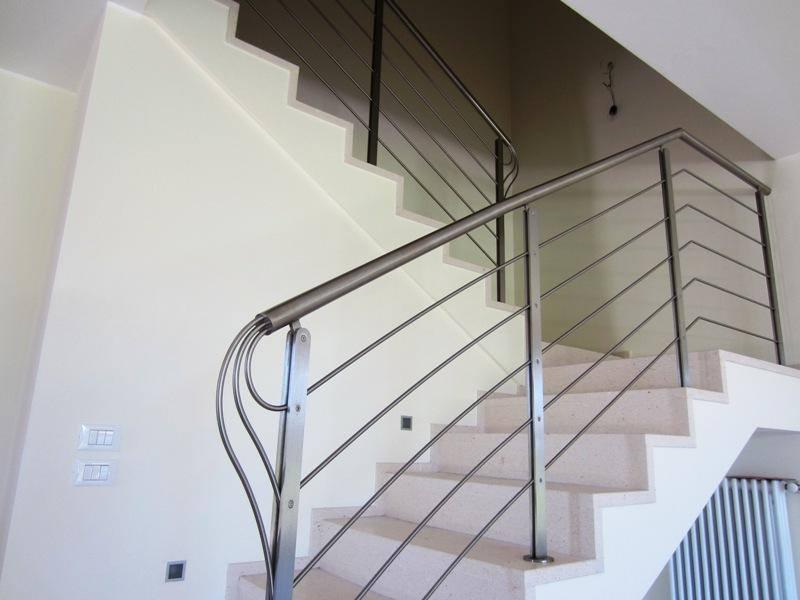 scalinata ineterna in ferro battuto a Pieve a Nievole