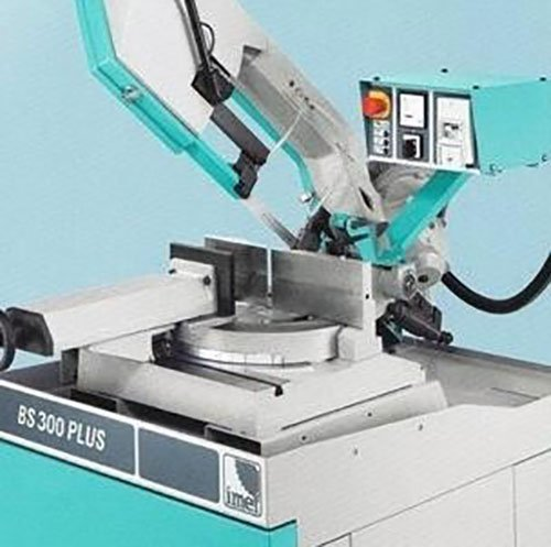 macchinario per la lavorazione del ferro