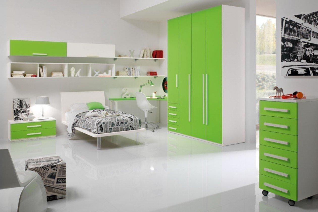 cameretta per bambini con armadio verde