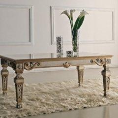 tavolo stile antico
