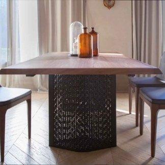 vista laterale tavolo