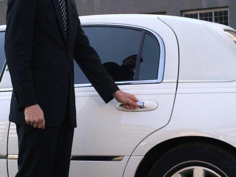 chauffeur-driven rental service