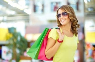 Outlet shopping tours with NCC TAXI MILANO