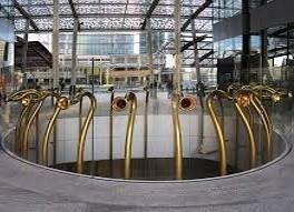 le trombe in Piazza Gae Aulenti con NCC TAXI MILANO