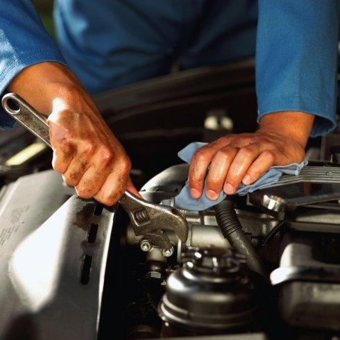 Autofficina specializzata nelle riparazioni meccaniche.