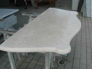 cura dei dettagli nella lavorazione di marmo e granito