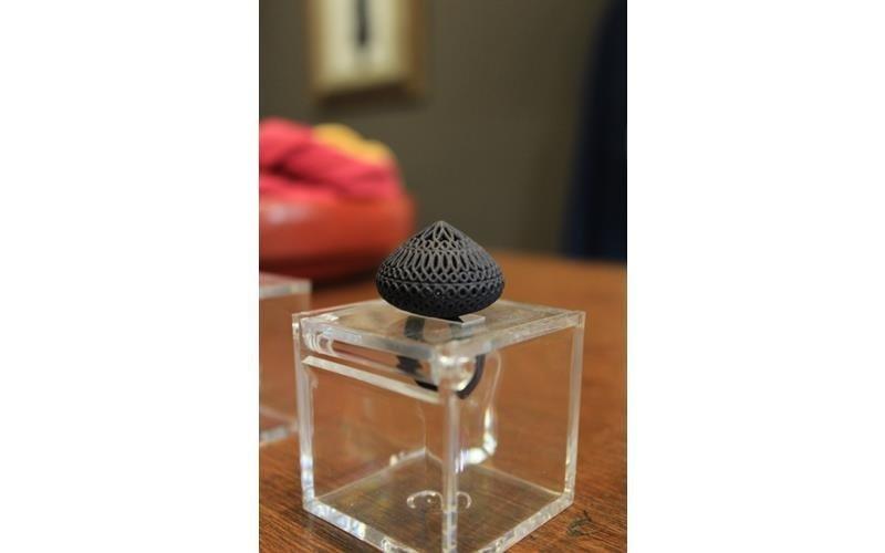 Particolare gioielli Renaise boutique