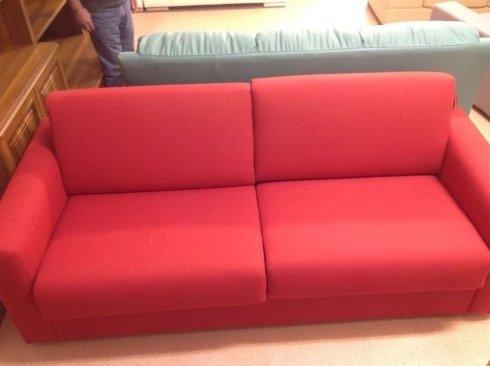 divano rosso con letto victor 3 posti 2,05 metri:700 euro