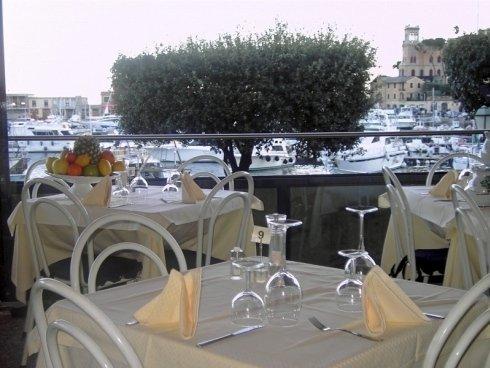 Tavolo apparecchiato Santa Margherita Ligure (GE)