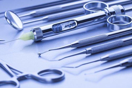 attrezzature dentali colore azzurro