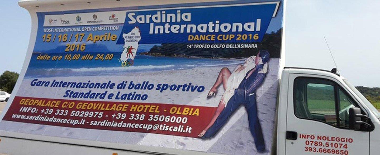 camion per noleggio con insegna scritta Sardinia International Dance Cup 2016