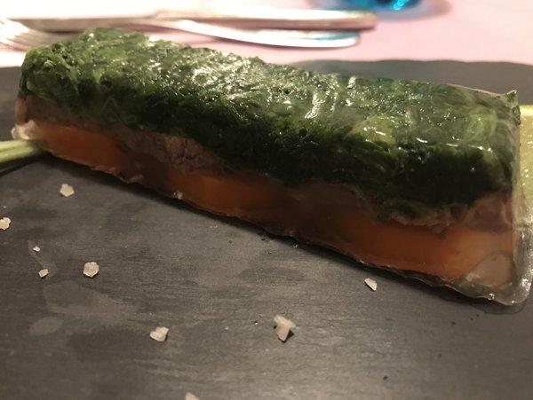 vista ravvicinata di uno sformato di spinaci