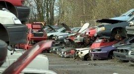 parco demolizione, auto da rottamare, stoccaggio materiali