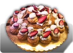 Originale torta di fragole con crema